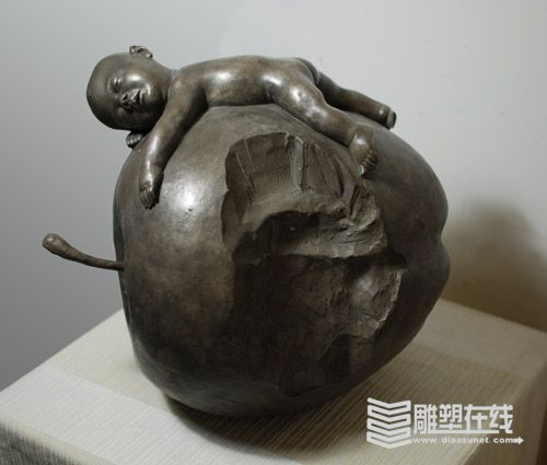"""新闻中心--""""俯视原点""""董书兵雕塑个展在京展出(图)"""