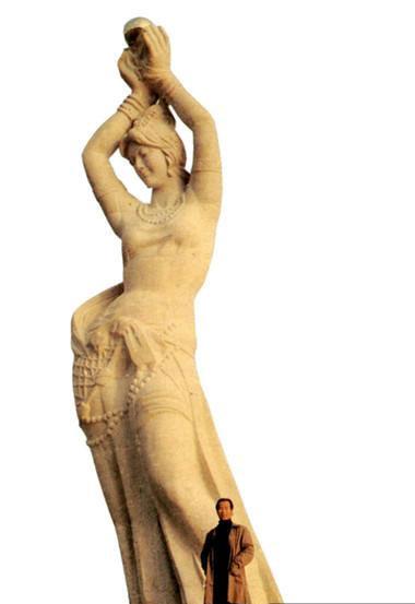 本次雕塑展展出了潘鹤老师创作的《艰苦岁月》,《拓荒牛》,《珠海
